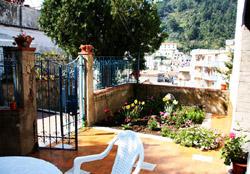 Entrance to the Maiori Girasole apartment